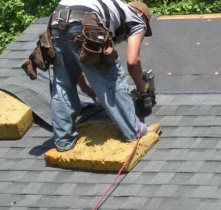 Tips and tricks for application of roof shingles during hot weather