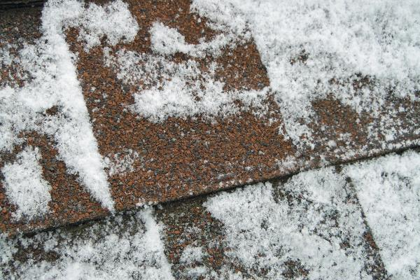 Tips How to Apply Shingles In Cold Climates
