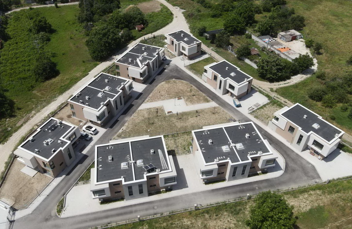 Again, IKO Roofs on the Modern Residential Complex Zornitsa III in Plovdiv