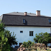 Покрив с битумни керемиди 276