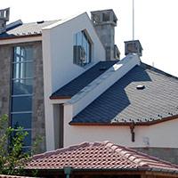 Покрив с битумни керемиди 275