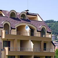 Покрив с битумни керемиди 207